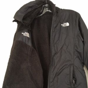 North Face Girl's Reversible Jacket- size 18 (XL)