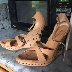 Bebe wedges vintage new sexy leather floral strap