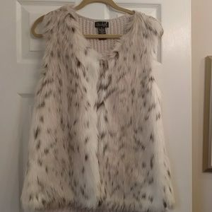Fur sweater vest. Size m. Worn 1x