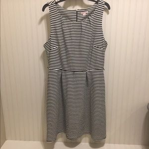NWOT Merona pleat neck striped midi dress