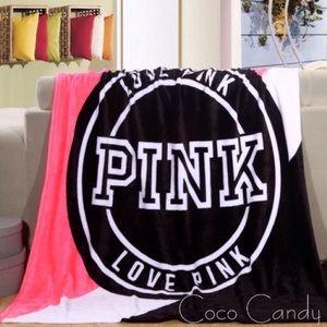 ⭐️SALE‼️Victoria's Secret Blanket