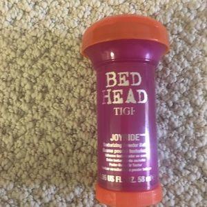 Bed Head texturing powder balm