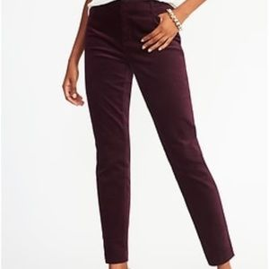 Old Navy Mid-rise pixie velvet ankle pants - 2 Reg