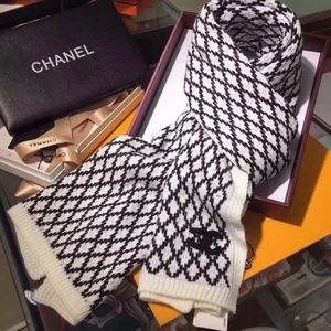 CHANEL Scarf shawl