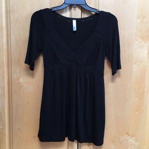 Lush black 3/4 sleeve top