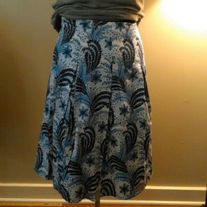 Pretty skirt in excellent condition.