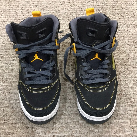 new products 219e7 c44c1 Boys Jordan Spizike
