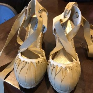 Espadrilles!! Size 7 lace up, white and tan