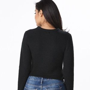 Black fitted express sweater in Medium