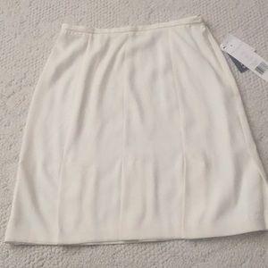 NWT cream pleated skirt