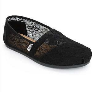 NEW IN BOX Toms Black Lace Classic Shoes