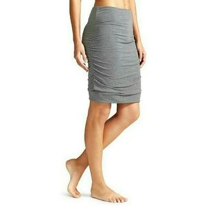 Athleta Ruched sides Solistice Skirt