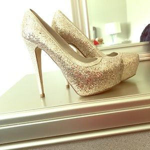 Gorgeous Gold ALDO heels