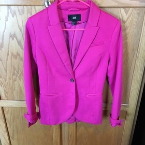 Hot pink blazer 💕