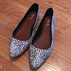 Spotted pointy flats by MIA Size 8