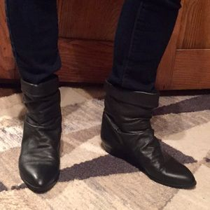 Vintage black leather scrunchy ankle boots booties
