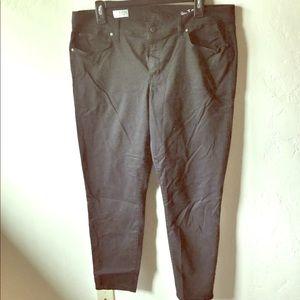 Black legging jean