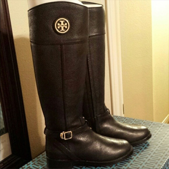6febe4bb875e Tory Burch Theresa riding boot. M 5a187e7ed14d7ba6d607d914