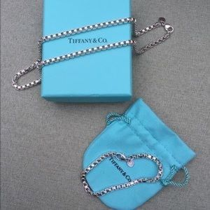 Tiffany's and Co. Venetian Link Set FLAWLESS!