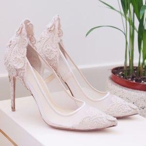 NWOT Vince Camuto lace wedding Opethelia pumps