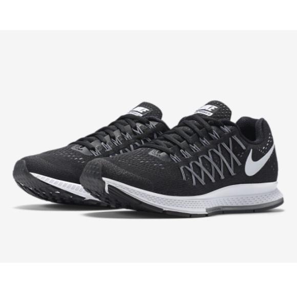 f8734d0e9f4d9 Nike Air Zoom Pegasus 32 Running Shoes. M 5a188f9699086ae4410829bf