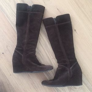 Brown suede wedge boots 6