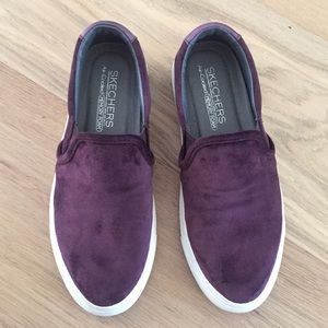 Purple velvet slip on 5.5