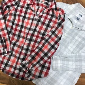 2 shirt Old Navy Bundle. Sz medium flannel shirts
