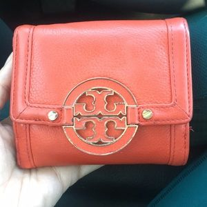 ✨ Flaming Red Tory Burch Wallet ✨