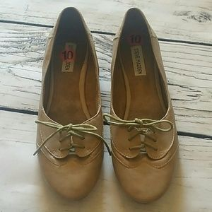 Steve Madden Nude Lace Front Flats