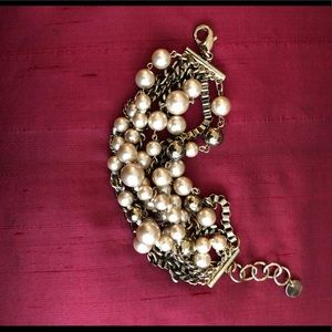 Jewelry - Gold pearl bracelet