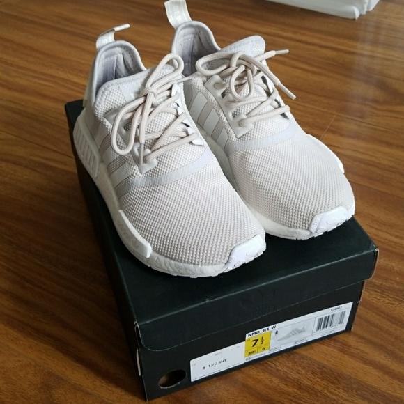 le adidas nmd r1 da whitecream donne misura 75 poshmark
