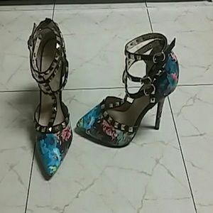 Women flower heels