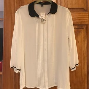 White blouse with 3/4 sleeve
