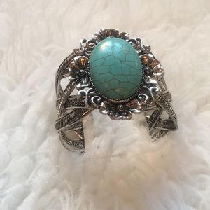 Jewelry - Turquoise and silver bracelet