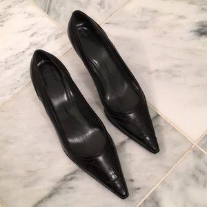 Stuart Weitzman black leather heels size 7.5 M