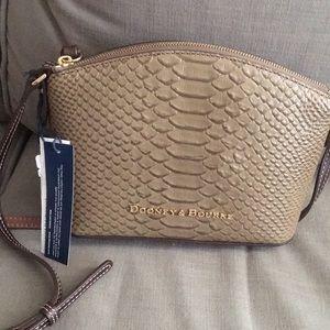 NWT Dooney & Bourke crossbody purse