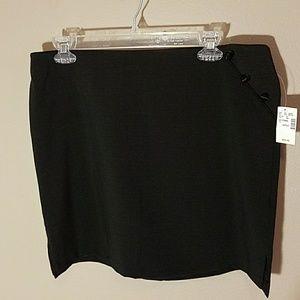Maurices short black skirt sz L