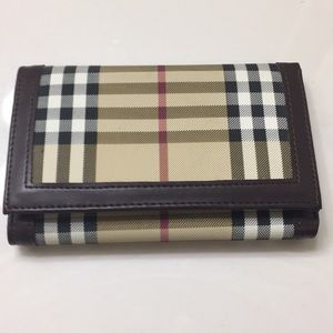 Handbags - Checkered wallet unused