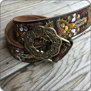 Gorgeous Embroidered Lucky Brand Belt NWOT