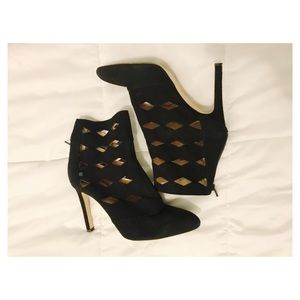 SJP by Sarah Jessica Parker Shoes - ❌ 1 DAY SALE❌ SJP Cut out booties