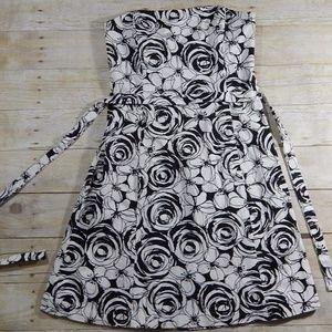 White House Black Market Size 10 Strapless Dress