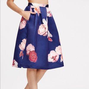 🆕➕HP🏆Royal blue rose print Pleated volume skirt