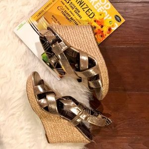 Jessica Simpson Gold Strappy Espadrille Wedges