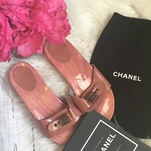 💯 Authentic Chanel Pink Clogs