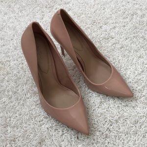 Also mauve heels