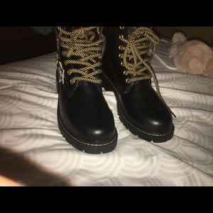 Black leather boots (Never worn)