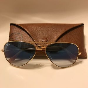 Aviator Ray-Ban Sunglasses and Case - Like New