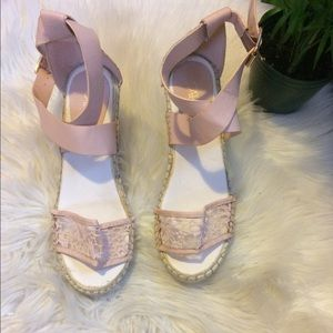 Cato wedges. Size 8