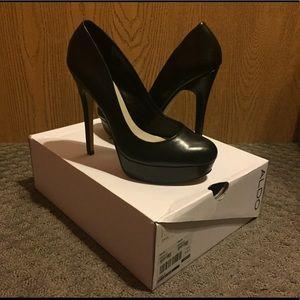 LIKE NEW ALDO Black CRIXIA Heels